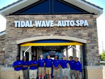 Tidal Wave Auto Spa in Kansas City, KS